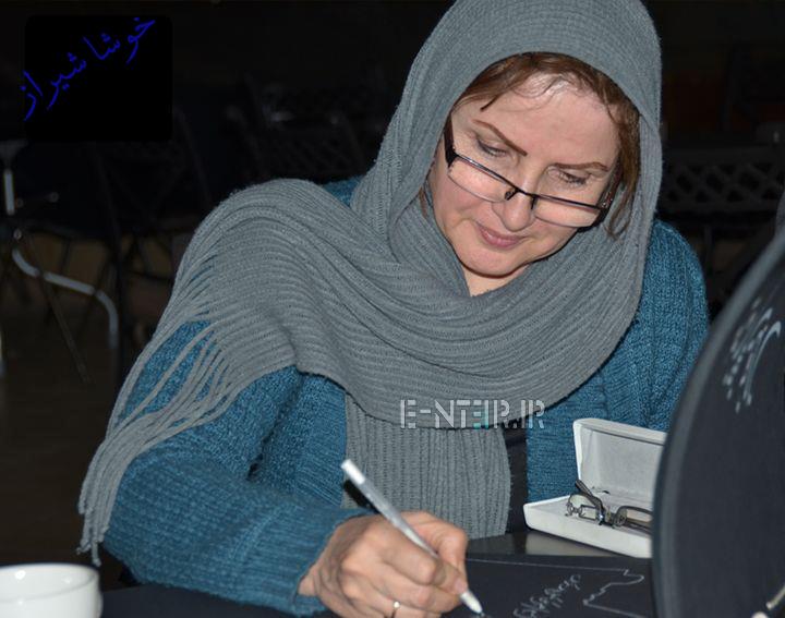زهرا سعیدی در پشت صحنه برنامه خوشا شیراز
