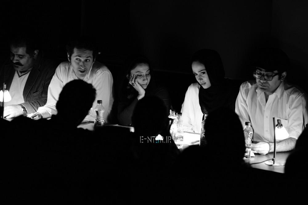 پریناز ایزدیار و فرزاد حسنی در نمایشنامه خوانی سفر به نهایت دور