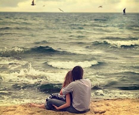 فقط موجهاي دريا هستند كه عاشقن  با اينكه ميدونن اگر به ساحل برسن ميميرن بازم بيقرار رسيدنن