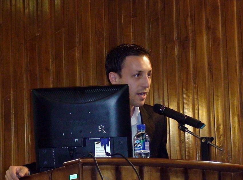 کیومرث سلیم زاده در نشست حقوقي پيرامون  جايگاه دفاتر اسناد رسمي در نظم حقوقي و جايگاه حقوق شهروندي در مراجع شبه قضائي ثبت اسناد و املاك