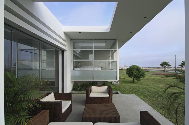 ترکیب جذابی از مصالح وبافتهای مدرن در یک خانه