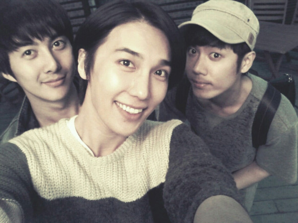 772918692 kim kyu jong & kim hyung jun twitter site update