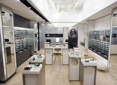 مغازه عینک آفتابی فروشی