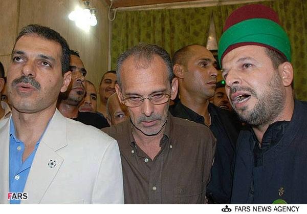 گروفان ویرا مربی اسبق تیم ملی ایران در هنگام ادای شهادتین