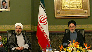http://s4.picofile.com/file/7799375806/130611090406_khatami_rouhani_304x171_non_nocredit.jpg