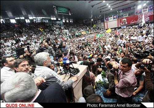 استقبال تهران از دکتر جلیلی در ورزشگاه حیدرنیا