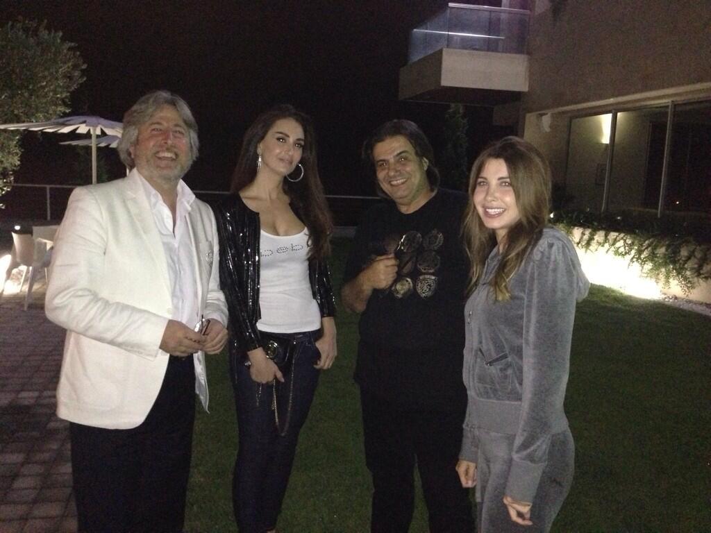 تصاویر نانسی عجرم و همسرش و سمیر سفیر و دکتر جمال فیاض و همسرش در خانه ی نانسی Nancy Ajram with her husband,Samir sfir,Dr.Jamal fayyad and his wife in Nancy House