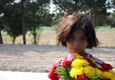 دخترک گل فروش