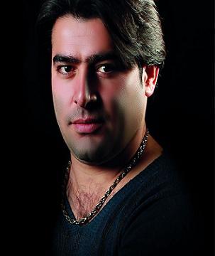 http://s4.picofile.com/file/7870795806/Morteza_Sarmadi_Parisa.jpg