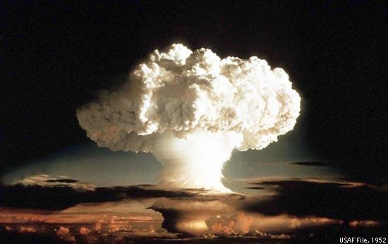 http://s4.picofile.com/file/7871418381/hydrogen_bomb_aza.jpg