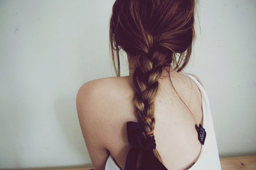 http://s4.picofile.com/file/7872231070/beautiful_cute_fashion_girl_hair_Favim_com_111271.jpg