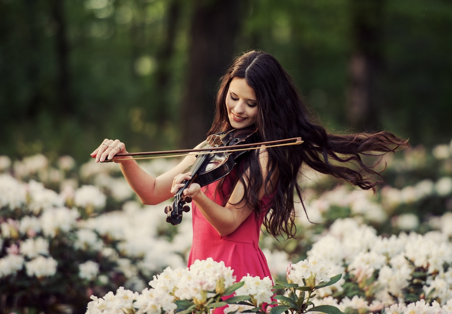 http://s4.picofile.com/file/7904620000/concert_for_flowers_by_baravavrova_igalery.jpg