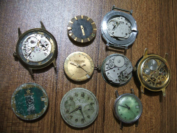 http://s4.picofile.com/file/7939831933/old_watch_7_.jpg