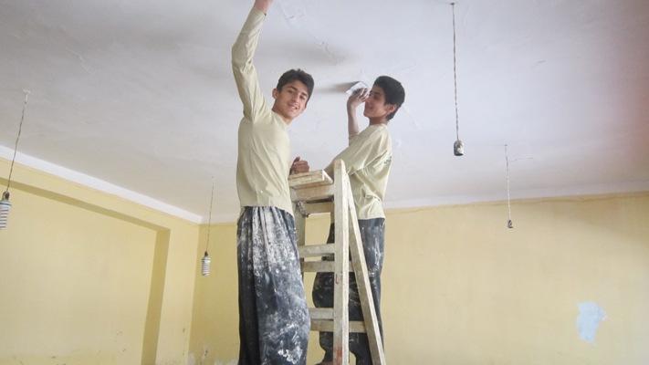 نقاشی و تعمیرات جزئی آموزشگاه