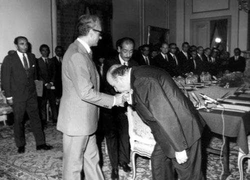 امیر عباس هویدا-سیاستمدار قبل انقلاب