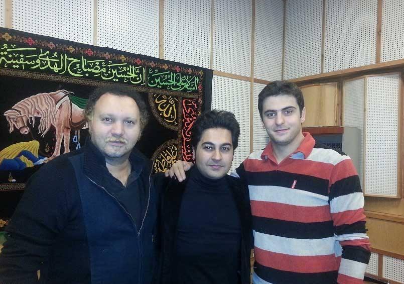 علی ضیا در کنار بهنام صفوی و کامبیز دیرباز