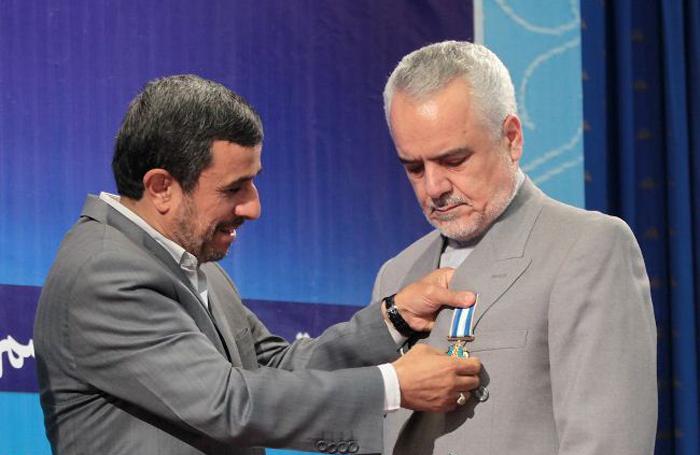 اعطای نشان درجه یک خدمت به محمدرضا رحیمی