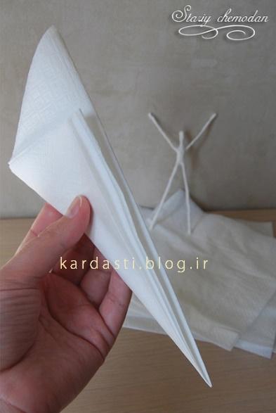 کاردستی عروسک با دستمال کاغذی