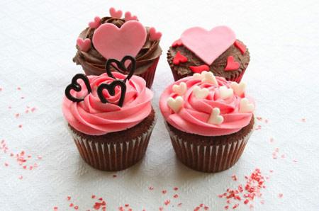 تزیین کیک و شیرینی به سبک روز ولنتاین