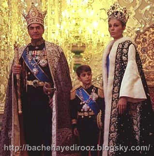 http://s4.picofile.com/file/8169018200/Shah_Alireza_and_Farah.jpg
