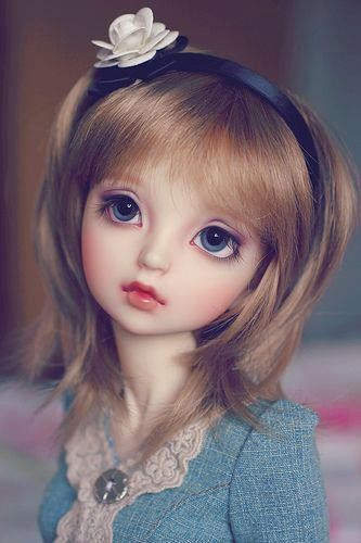 http://s4.picofile.com/file/8169359268/Beautiful_Doll_2.jpg