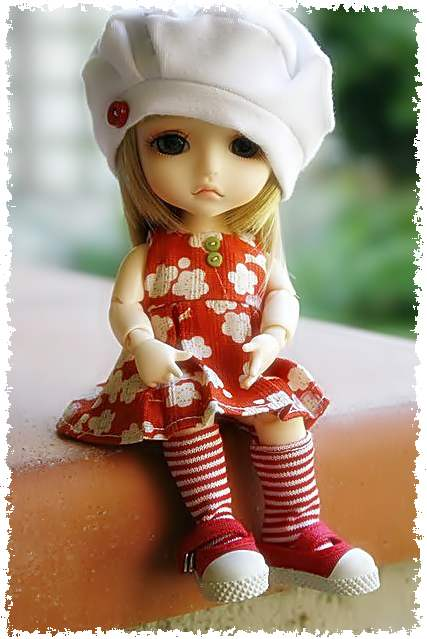 http://s4.picofile.com/file/8169359792/Beautiful_Doll.jpg