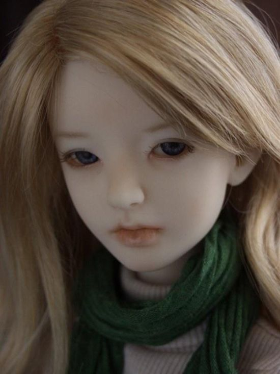 http://s4.picofile.com/file/8169359884/beautiful_Emo_Dolls.jpg