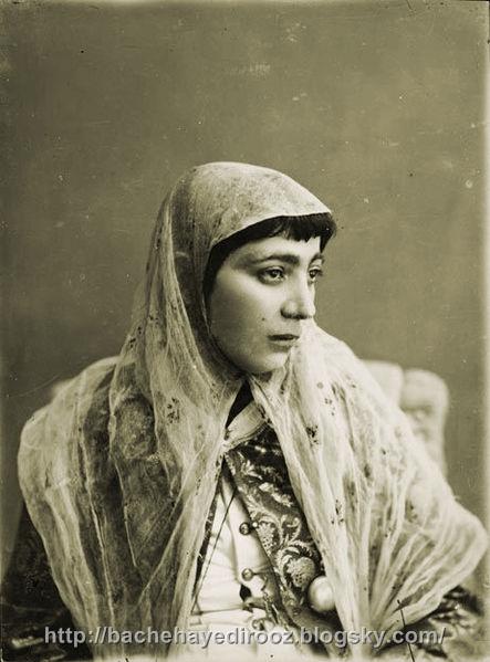 http://s4.picofile.com/file/8169385250/443px_Antoin_Sevruguin_Iranian_woman_SI.jpg