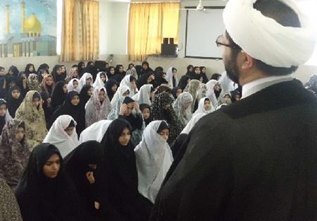 سخنرانی در دبیرستان حکیمه قهدریجان