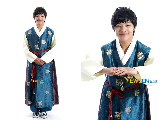 عکس های نوجوانی لی هون در سریال افسانه خورشید و ماه