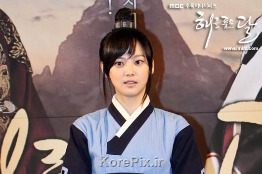 عکس های نوجوانی خدمتکار یئون وو|افسانه خورشید و ماه