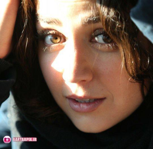 http://s4.picofile.com/file/8172152484/bartarpix_ir_4_.jpg