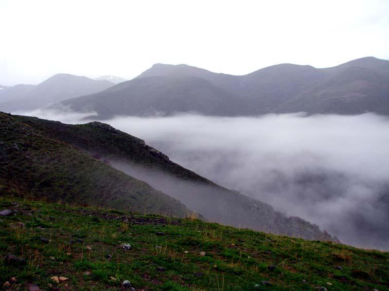مه بالای کوه