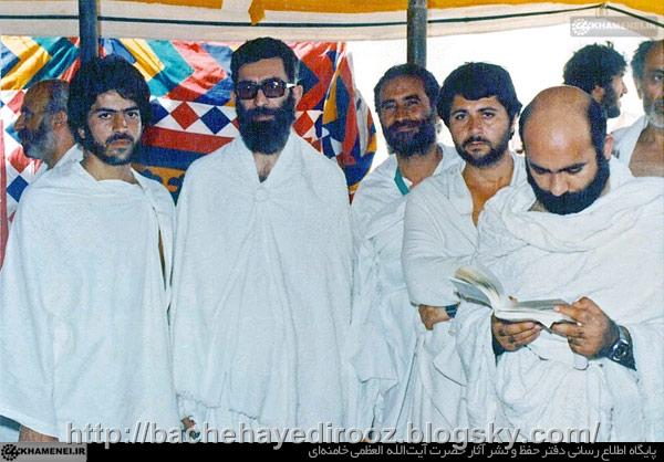 http://s4.picofile.com/file/8174993184/old_khamenei_in_haj.jpg