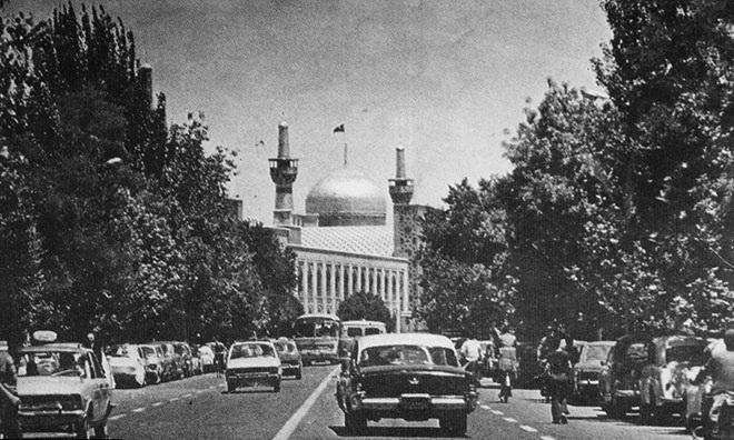 http://s4.picofile.com/file/8175223892/Teh_st_Mashhad_1956.jpg
