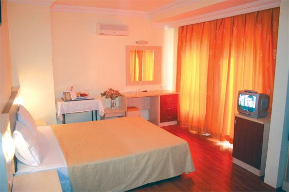هتل سه ستاره ی لارا دینک آنتالیا