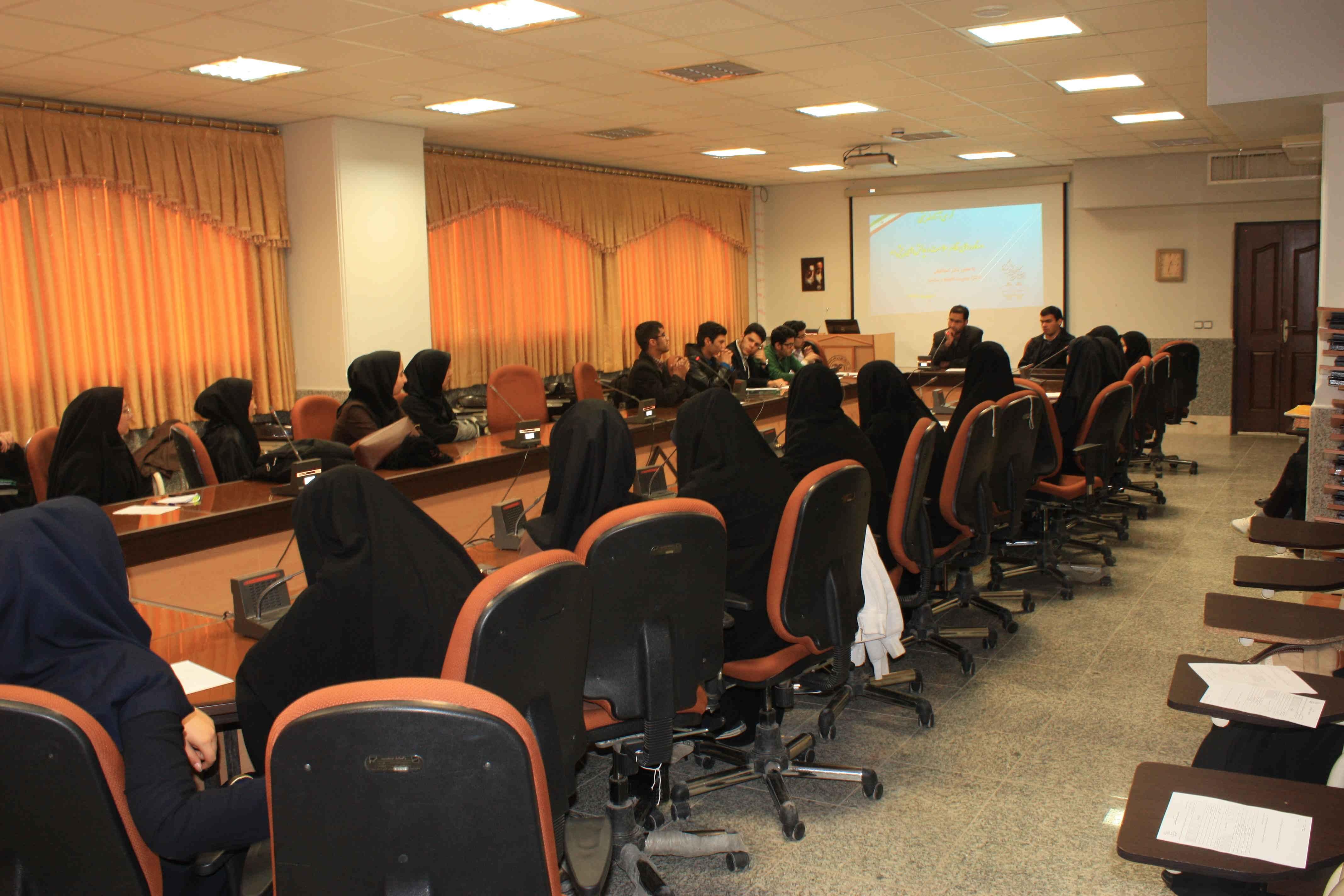 کرسی آزاد اندیشی با موضوع «دستاوردهای نظام سلامت و چالش های پیش رو»برگزار شد