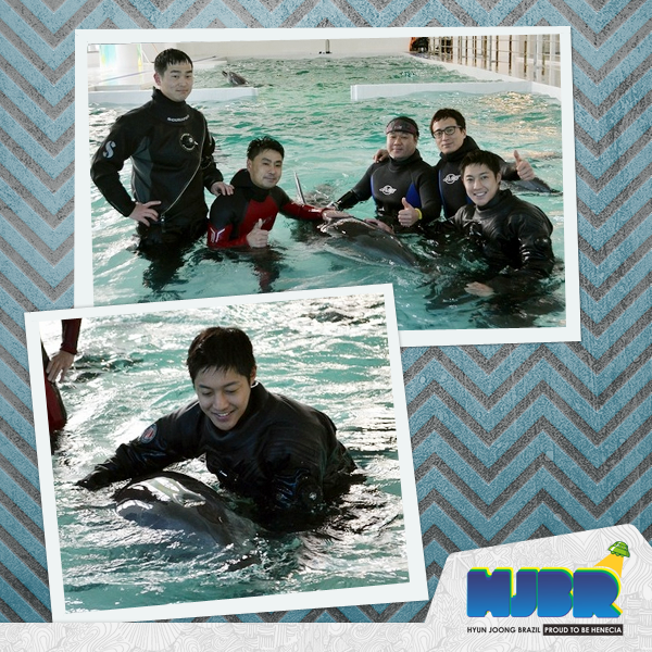 Hyun joong in The Marine Park, Diving With Dolphins