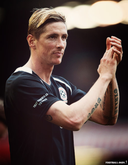http://s4.picofile.com/file/8179948492/Fernando_Torres_Pics_In_Charity_Mach_By_F9Tfans_blogsky.jpg