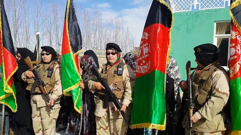 گزارش تصویری از تقدیر زنان غور از نیروهای امنیتی اناث