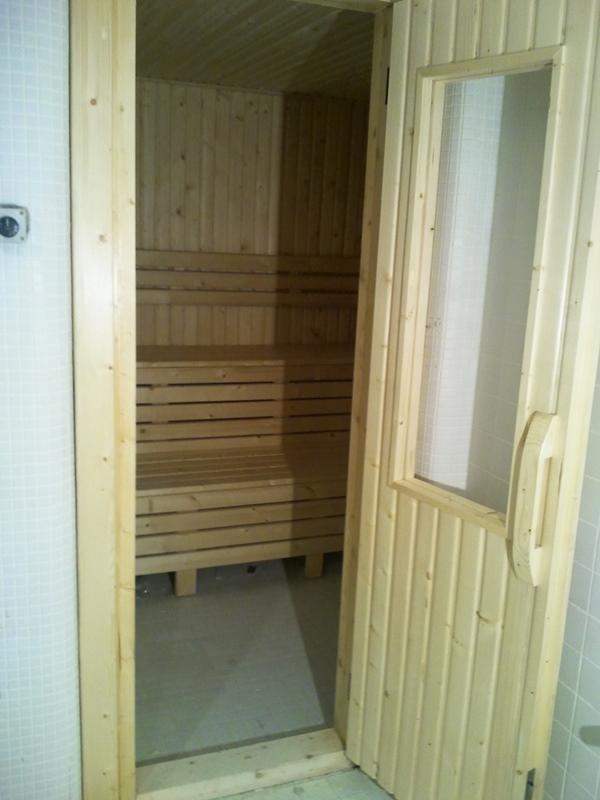 درب چوبی سونای خشک