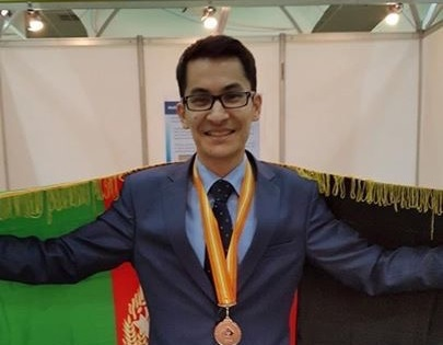 مصطفي رضايي حضور تنها نماينده افغانستان در چهل و سومين نمايشگاه بين المللي اختراعات جينوا، سوييس (2