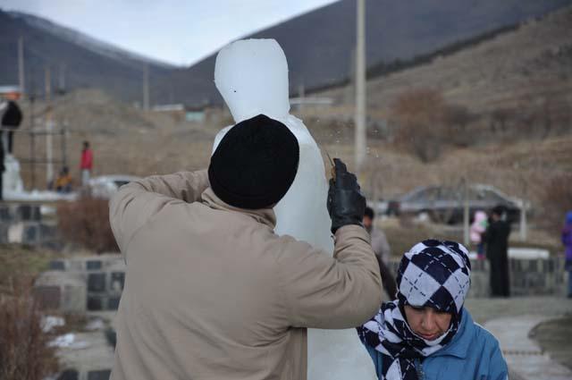 مجسمه سازی با یخ در زنجان