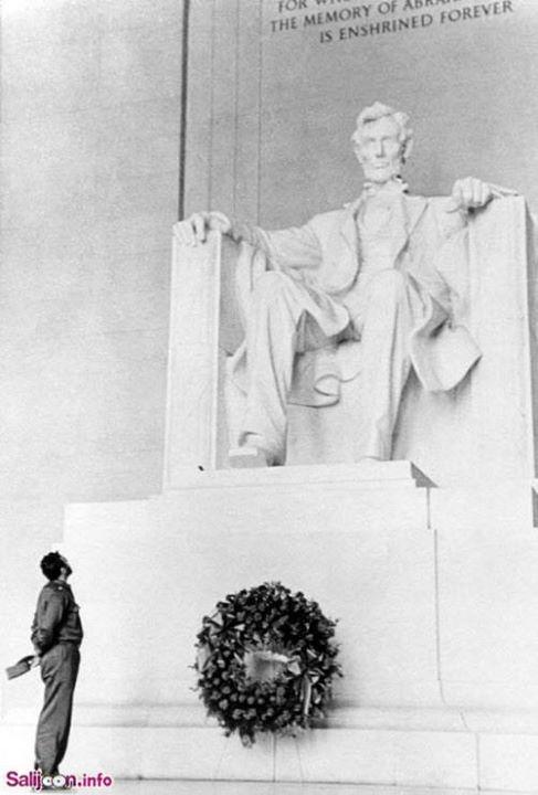 فیدل کاسترو و مجسمه لینکلن