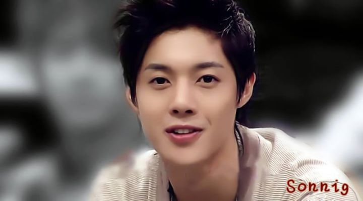 Young and Handsome Hyun Joong