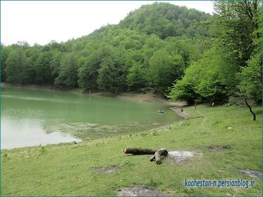 دریاچه چورت در بهار