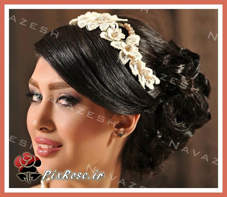 عروس با تاج گل