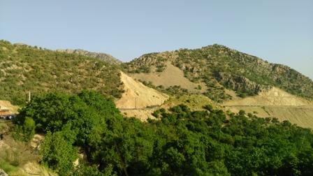 تفرجگاه چشمه ی پشت روستای برنجان -جاده شیراز کازرون