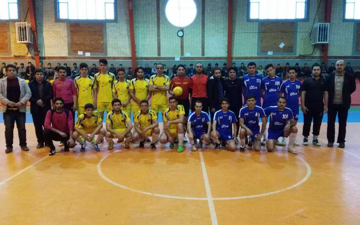 از سری مسابقات جام روستایی آذرشهر دیروز یک بازی حساس بین تیم های خشکبار و آریا (دربی قاضیجهان) انجام شد