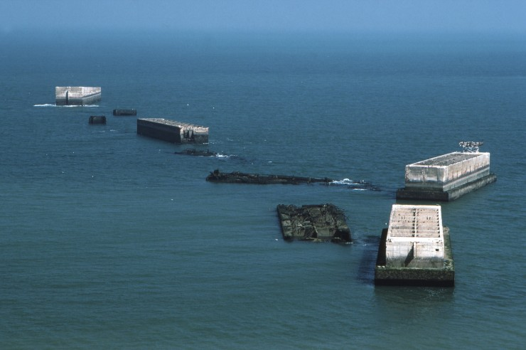 http://s4.picofile.com/file/8288994626/Mulberry_Harbour_Phoenix_Caisson_Remains_740x492.jpg